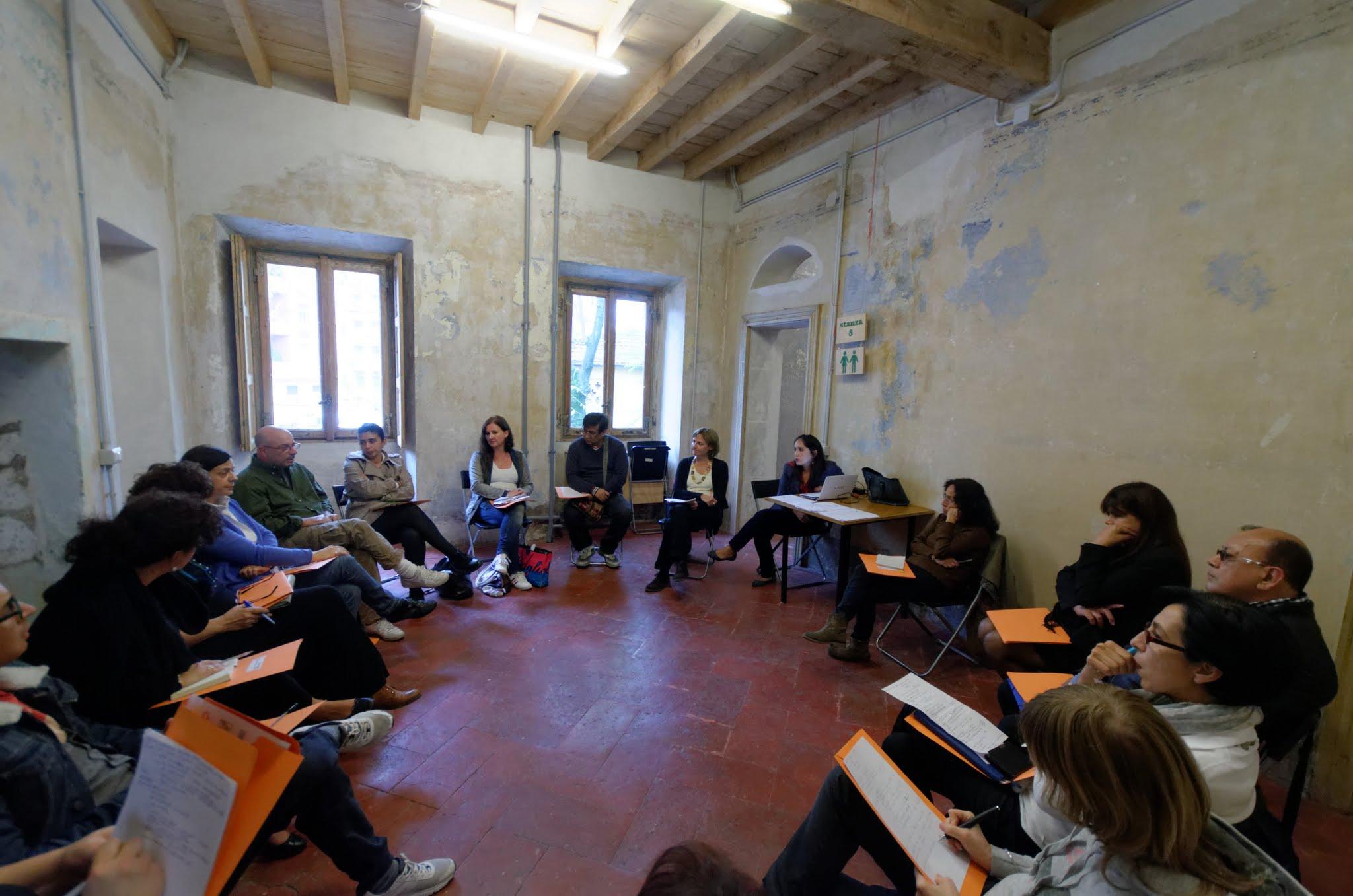 Caregiver familiari a milano i corsi formativi guidati da for Corsi creativi milano