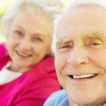 Persone anziane: i benefici di una risata